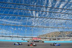 Майкл Макдауэлл, Leavine Family Racing Chevrolet, Рики Стенхаус-мл., Roush Fenway Racing Ford и Кейс