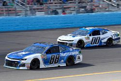 Alex Bowman, Hendrick Motorsports, Chevrolet Camaro Nationwide and Jeffrey Earnhardt, StarCom Racing, Chevrolet Camaro VRX SIMULATORS