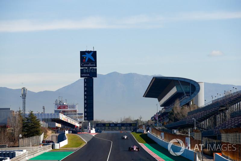 Esteban Ocon, Force India VJM11, Charles Leclerc, Sauber C37