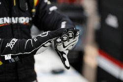 Simon Pagenaud, Team Penske Chevrolet, hands, gloves, tape
