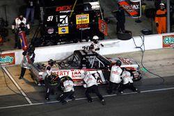 Myatt Snider, Kyle Busch Motorsports Toyota, pit stop