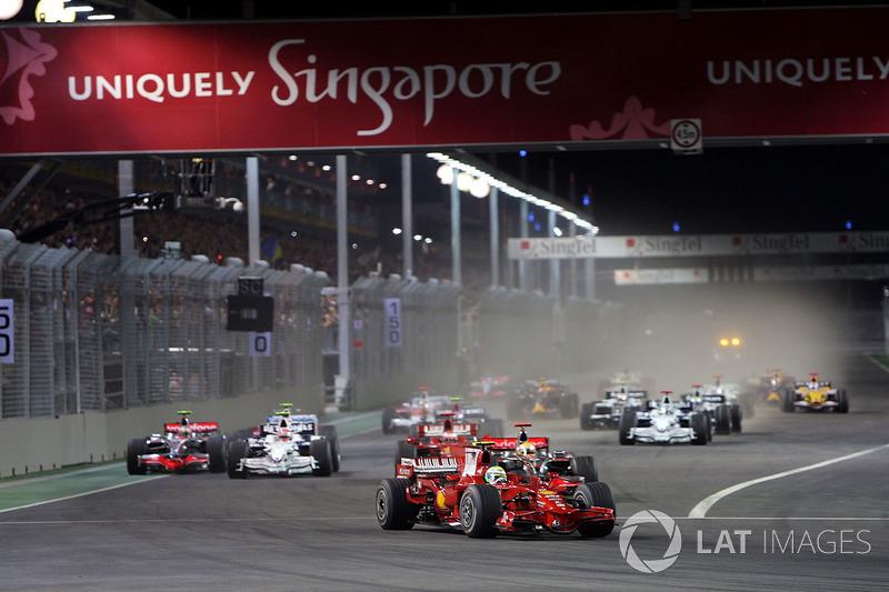 Départ : Felipe Massa, Ferrari F2008 mène