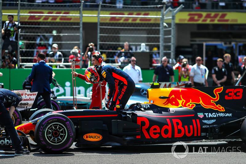 Max Verstappen, Red Bull Racing RB13 celebra en parc ferme