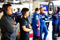 Honda Engineers in the Toro Rosso garage