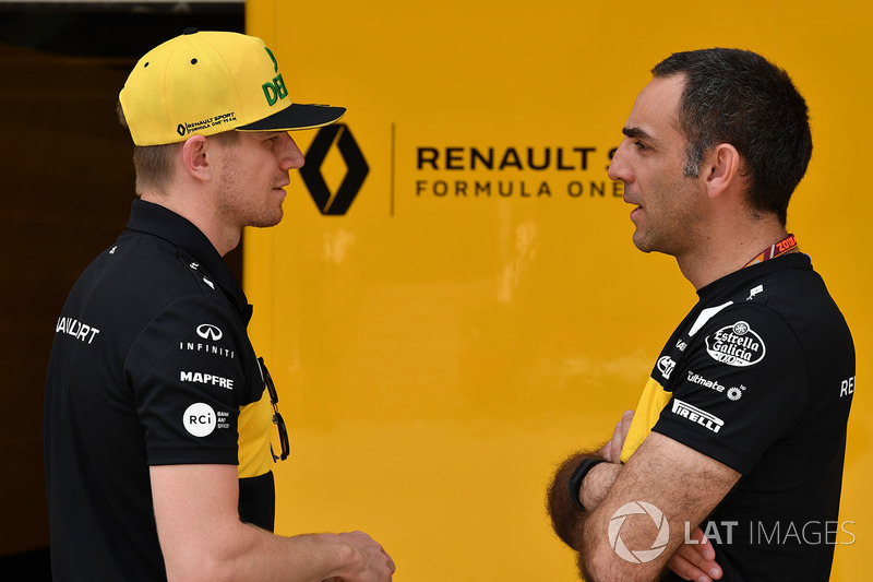 Nico Hulkenberg, Renault Sport F1 Team y Cyril Abiteboul, Director deportivo de Renault Sport F1
