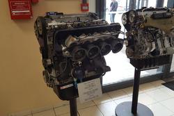 Motore della XSARA Kit Car, esposto nella sede del gruppo PSA
