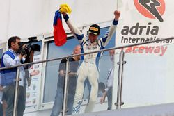 Race 4 podium: winner Mauricio Baiz, Mücke Motorsport