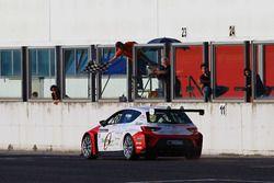 Seat Leon CUP Racer #8, Baldan, taglia il traguardo
