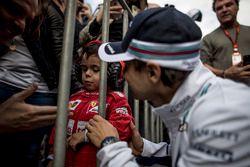 Felipe Massa, Williams, rencontre un jeune fan