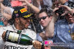 Winnaar Lewis Hamilton, Mercedes AMG F1 op het podium
