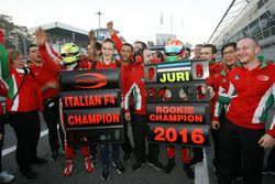 Juri Vips, Prema Powerteam festeggia la vittoria del titolo Rookie