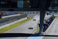 Checkered flag for Leonardo Pulcini, Campos Racing