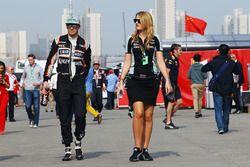 Nico Hulkenberg, Sahara Force India F1 con Victoria Helyar, Sahara Force India F1 Team