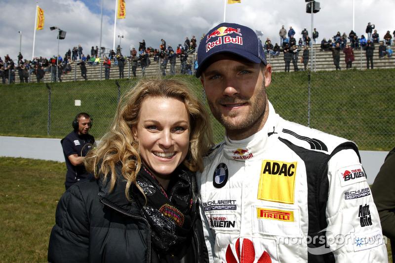#20 Schubert Motorsport, BMW M6 GT3: Martin Tomczyk with his wife Christian Surer