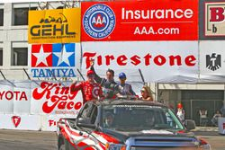 Podium: Scott Dixon, Chip Ganassi Racing Chevrolet, Simon Pagenaud, Team Penske Chevrolet, Helio Cas
