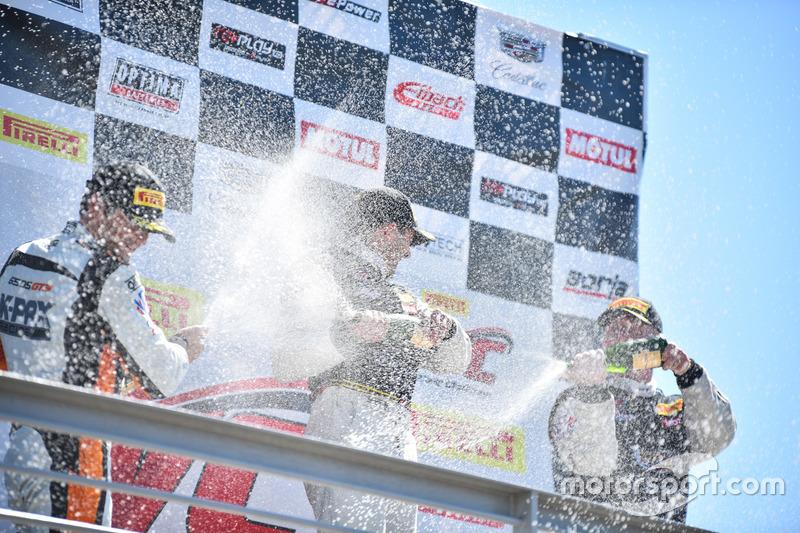 Podium GT: 1. Michael Cooper, Cadillac Racing; 2. Alvaro Parente, K-Pax Racing; 3. Johnny O'Connell, Cadillac Racing