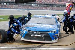 Michael Waltrip, BK Racing Toyota, au stand