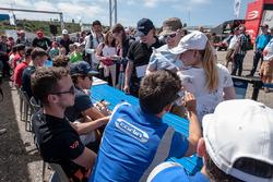 Autograph session, fans