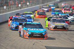 Inicio: Kyle Busch, Joe Gibbs Racing Toyota líder