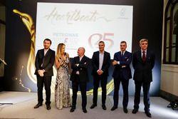 (Da sx a dx) Andrea Dolfi, manager globale delle tecnologie PLI, la conduttrice del Tg2 Motori Maria Leitner, madrina dell'evento, Miki Biasion 2 volte campionedel mondo rally, Alessandro Orsini responsabile Europa di PETRONAS Lubricants International, Fabrizio Curci, responsabile del brand Alfa Romeo EMEA, Paolo Gagliardo di Abarth