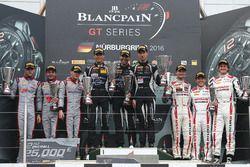 Podio: ganadores #16 GRT Grasser Racing Team, Lamborghini Huracan GT3: Rolf Ineichen, Christian Enge