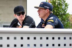 Max Verstappen, Red Bull Racing talks with IndyCar driver Conor Daly