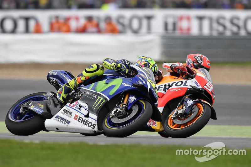 Rossi continue de grappiller des points
