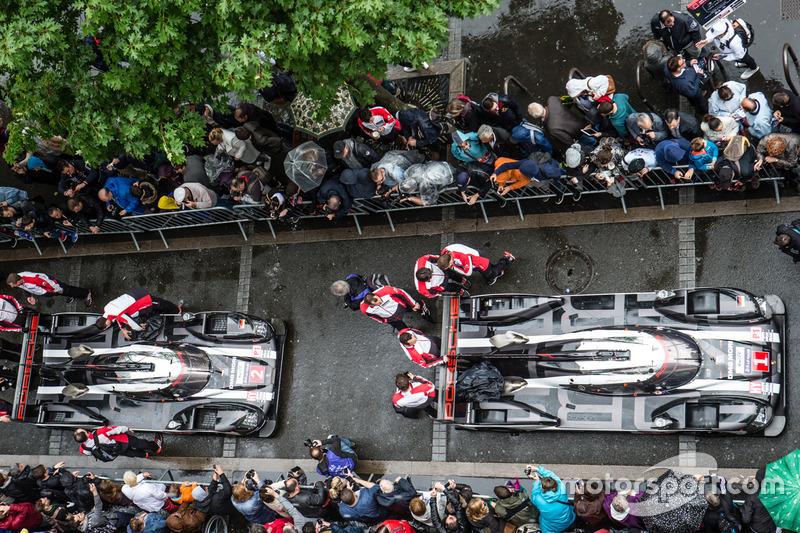 #1 Porsche Team Porsche 919 Hybrid та #2 Porsche Team Porsche 919 Hybrid