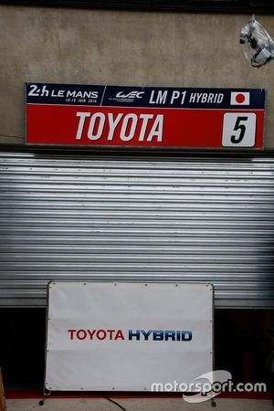 Toyota pit entry