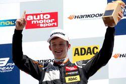 Ganador Callum Ilott, Van Amersfoort Racing Dallara F312 – Mercedes-Benz