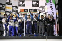 GT3 Podyum: 1. Levent Kocabıyık, Fatih Ayhan, Aytaç Biter; Borusan Otomotiv Motorsport