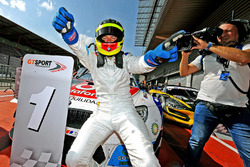 Race winner #1 BMW Team Teo Martin, BMW M6 GT3: Roldan Rodriguez