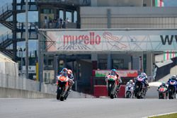 Partenza: Matteo Baiocco, Motocorsa Racing al comando