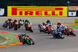 La salida: Tom Sykes, Kawasaki Racing Team, Sylvain Guintoli, Pata Yamaha
