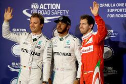 Le poleman Lewis Hamilton, Mercedes AMG F1 Team, le deuxième Nico Rosberg, Mercedes AMG F1 Team, et le troisième Sebastian Vettel, Ferrari