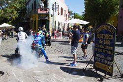 Aleix Espargaro, Team Suzuki MotoGP, Yonny Hernandez, Aspar Racing Team do burnouts in public street