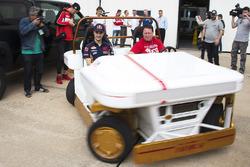 Dani Pedrosa, Repsol Honda Team pendant une visite du Centre Spatial Johnson de la NASA