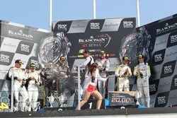 Podium Hauptrennen: 1. Laurens Vanthoor, Frederic Vervisch, Audi R8 LMS, Belgian Audi Club Team WRT;