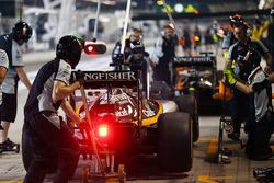 Sergio Perez, Sahara Force India F1 VJM09 simule un arrêt aux stands
