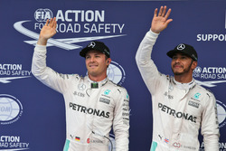 Льюис Хэмилтон, Mercedes AMG F1 Team, второе место Нико Росберг, Mercedes AMG F1