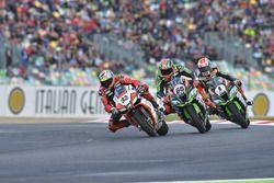 Lorenzo Savadori, IodaRacing Team; Tom Sykes, Kawasaki Racing; Jonathan Rea, Kawasaki Racing