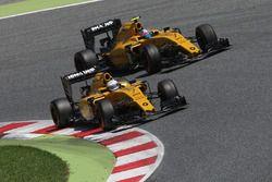 Kevin Magnussen, Renault Sport F1 Team RS16 dan rekan setim Jolyon Palmer, Renault Sport F1 Team RS1