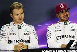 Nico Rosberg, Mercedes AMG F1 team y su compañero Lewis Hamilton Mercedes AMG F1 en la Conferencia d