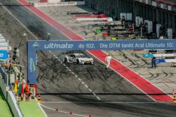 Martin Tomczyk, BMW Team Schnitzer, BMW M4 DTM, in de pitstraat