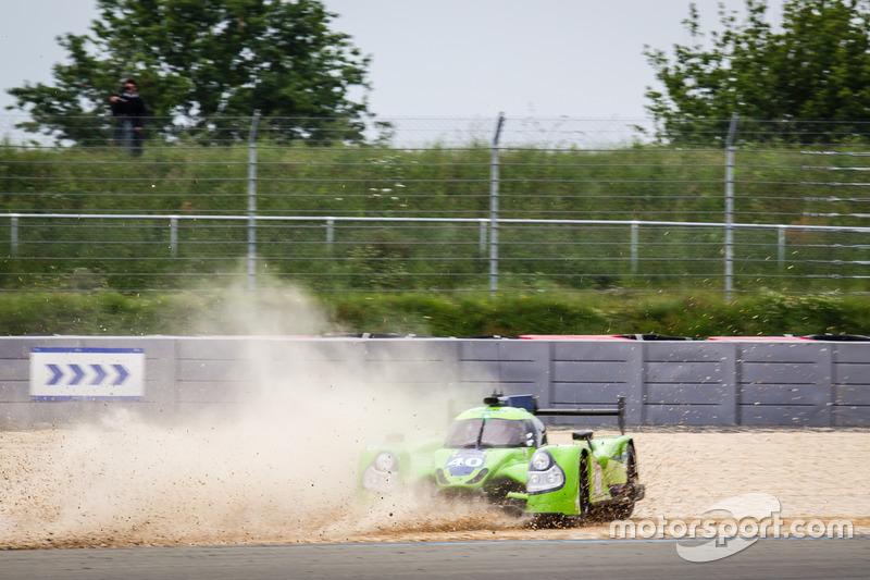 #40 Krohn Racing Ligier JS P2 Nissan: Tracy Krohn, Nic Jonsson, Joao Barbosa sort de la piste