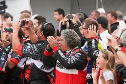 Sébastien Bourdais, KV Racing Technology Chevrolet, crew members