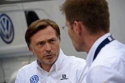 Jost Capito, Volkswagen.Motorsportdirektor; Dr. Frank Welsch, Volkswagen-Entwicklungsvorstand