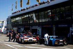 #31 Callaway Competition, Corvette C7 GT3: Loris Hezemans, Eric Curran und#13 RWT Racing, Corvette Z