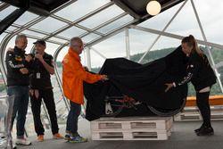 Lo svelamento della bici Orange1 by Colnago dedicata alla 24 Ore di Spa