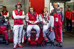 Audi Sport Team Joest Audi R18: Lucas di Grassi, Oliver Jarvis, Marcel Fassler et le Dr. Wolfgang Ullrich
